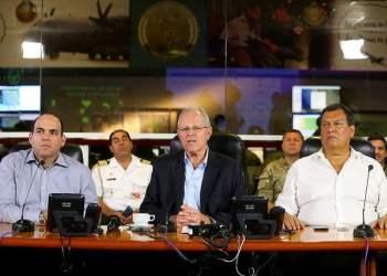El presidente Kuczynski agradeció el trabajo de las Fuerzas Armadas, policiales y bomberos en este tiempo de emergencia en el país.
