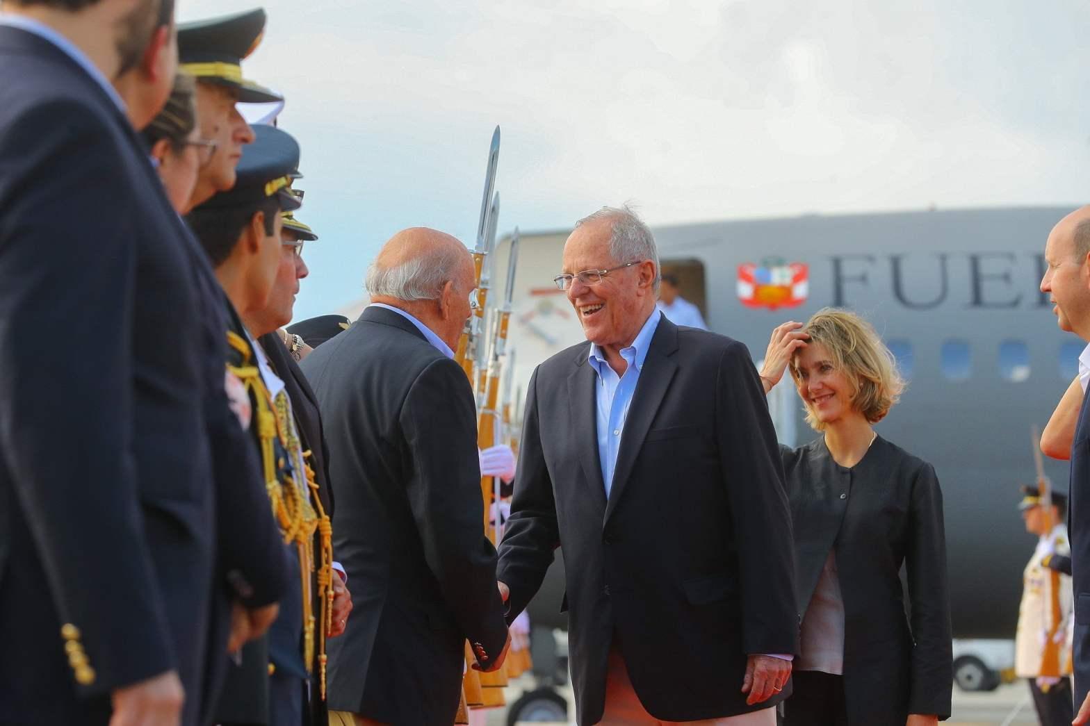 Kuczynski llegó a Cali para participar en la Cumbre Presidencial de la Alianza del Pacífico