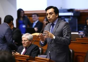El parlamentario oficialista Gilbert Violeta planteó un Proyecto de Ley que generará polémica dentro de sus colegas