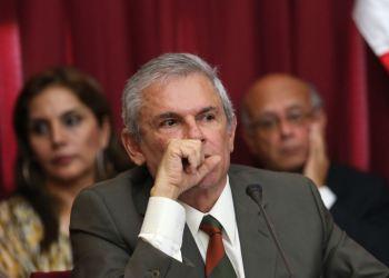 Castañeda fue citado por el Congreso por el accidente en Cerro San Cristóbal.