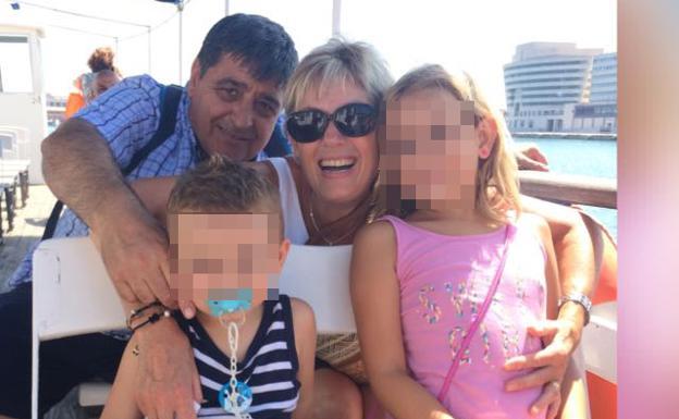 Se llamaba Francisco López Rodríguez, tenía 57 años y paseaba por la Rambla junto a su mujer, herida grave   Un niño de tres años que iba con ellos también ha muerto