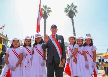 """El presidente Kuczynski afirmó que la """"Ciudad Heroica"""" Tacna debe cumplir sus anhelos."""