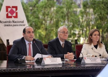 El premier Zavala reiteró que las evaluaciones a los docentes es un tema no negociable.