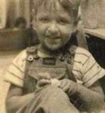Carlos Villagrán de niño