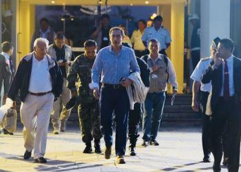 Martín Vizcarra en aeropuerto