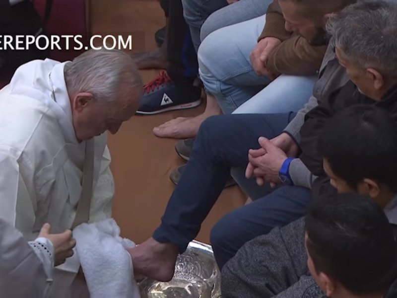 Papa Francisco rito de lavatorio de pies