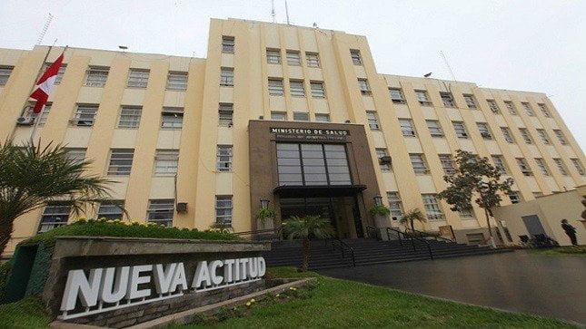 Ministra Pessah expresó sus condolencias a familiares de víctimas de accidente de tránsito en Huánuco