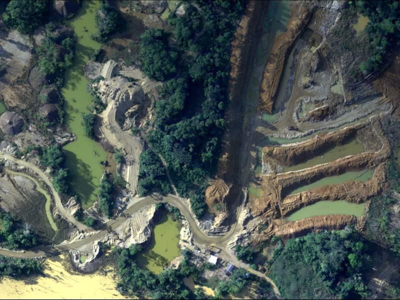 Areas naturales de Madre de Dios protegidas con drones y aviones FAP