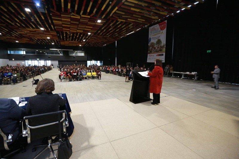 """Ministra Silvia Pessah: """"Pensemos en los adolescentes, trabajemos por ellos"""""""