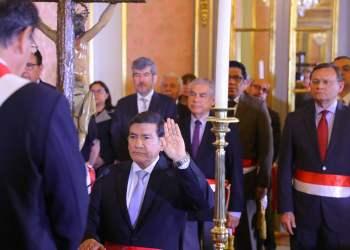 Martín Vizcarra juramentó a Carlos Morán como nuevo ministro del Interior