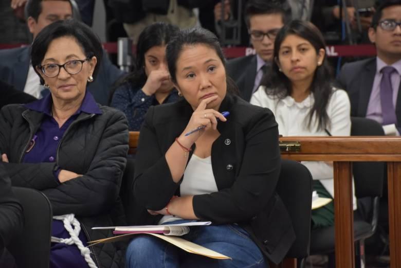 Keiko Fujimori en el juzgado con Ana Herz de Vega