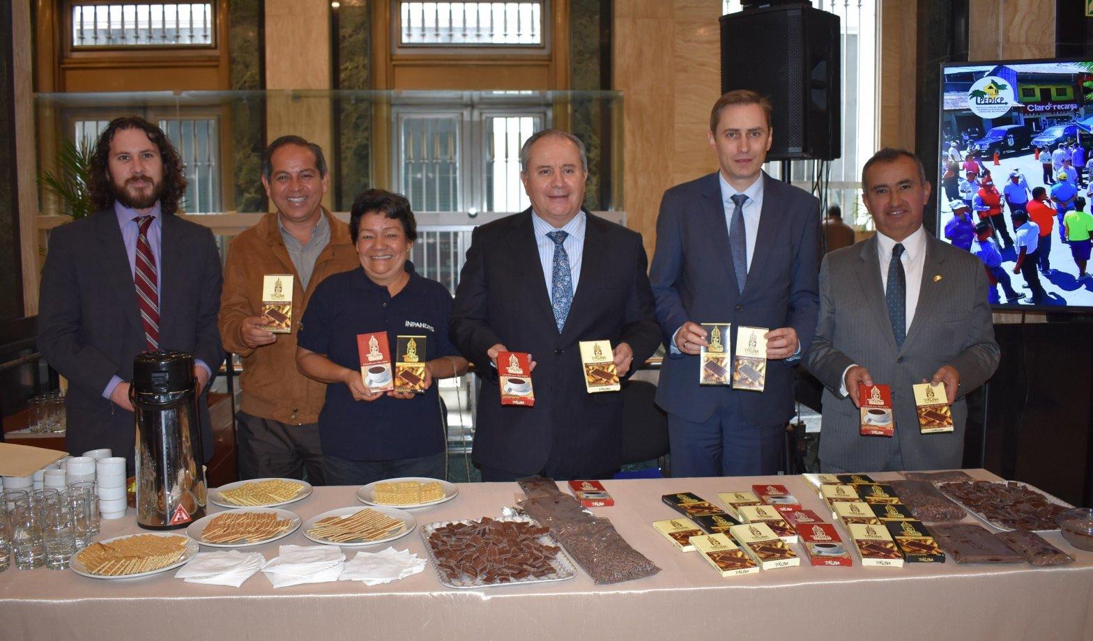 Chocolate Tikuna, producido en frontera Colombia- Perú llega a más mercados