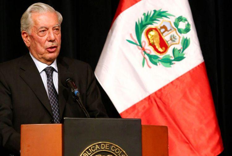 """Vargas Llosa: """"Nicolás Maduro está acorralado pero puede derramar más sangre"""""""