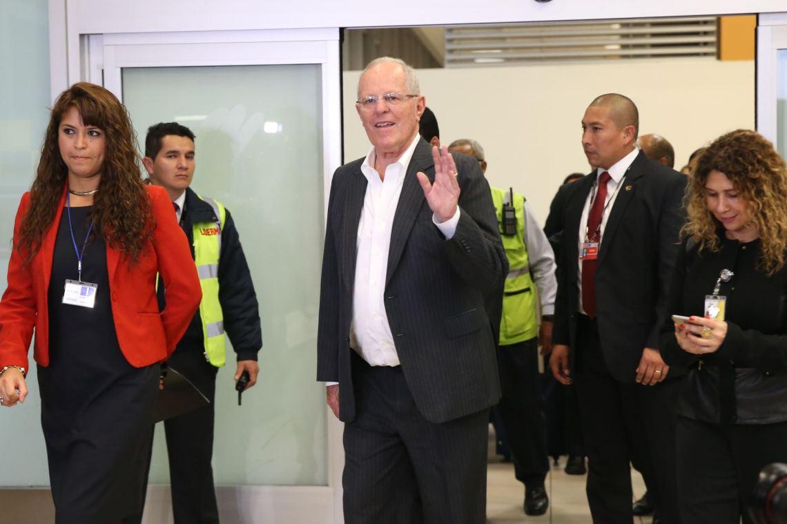 Pedro Pablo Kuczynski renunció a presidencia de Peruanos por el Kambio