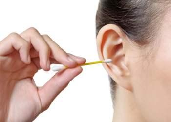Cuidado con los hisopos: Mal uso provocaría bolsas de pus en los oídos