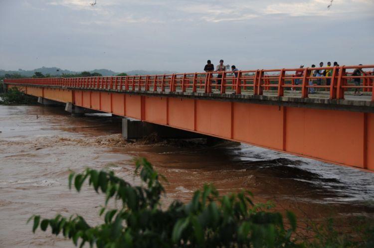 Alerta roja por crecida del caudal del río Tumbes y posible desborde