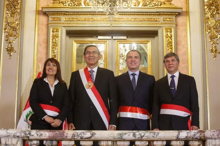 María Jara y Miguel Estrada juramentaron como titulares del MTC y Vivienda