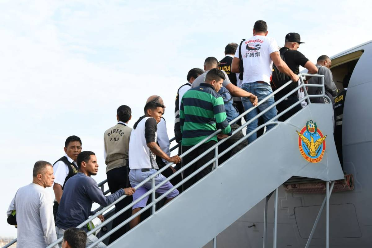 Venezolanos con antecedentes fueron expulsados así del Perú