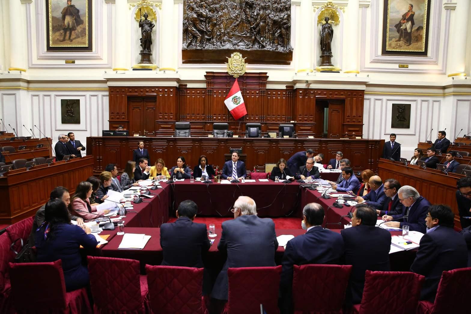 Fujimorismo salvó de la destitución e inhabilitación a fiscal Pedro Chávarry