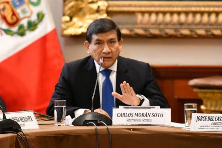 Ministro del Interior teme maltrato a ministra Flor Pablo en interpelación
