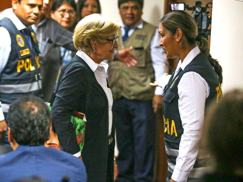 Susana Villarán va a penal de Mujeres de Chorrillos, junto a Keiko Fujimori