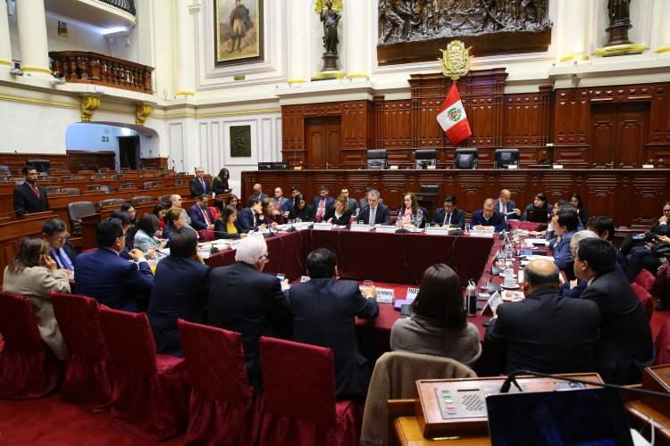 Primer proyecto de reforma del Ejecutivo es aprobado por Constitución