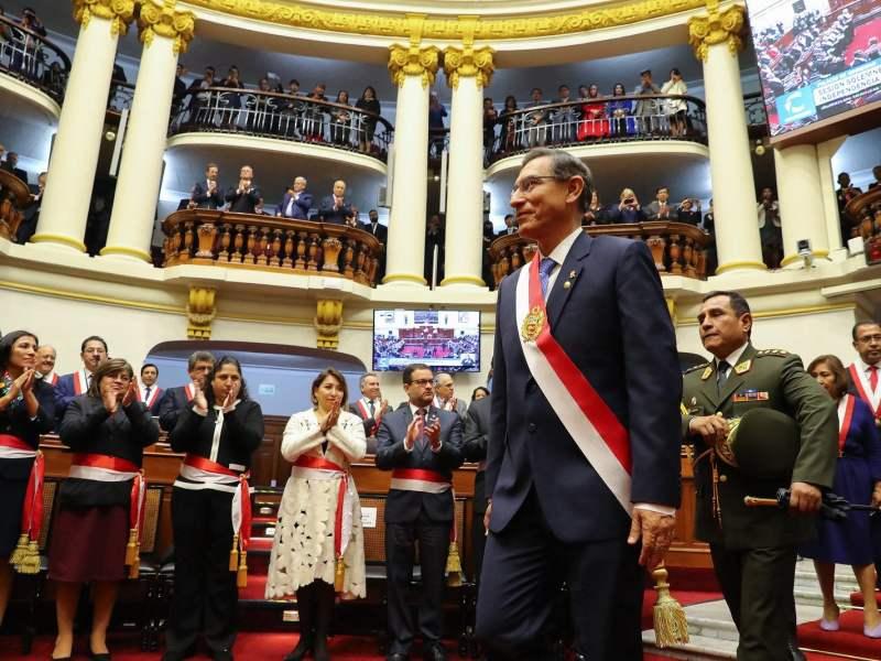 Martín Vizcarra en el Congreso