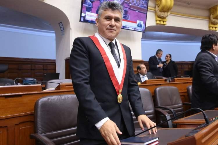 Congresista de Fuerza Popular recortó sueldo a trabajadores