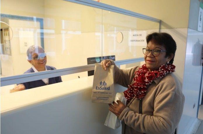 Hospital Rebagliati de EsSalud entrega medicamentos en bolsas de papel