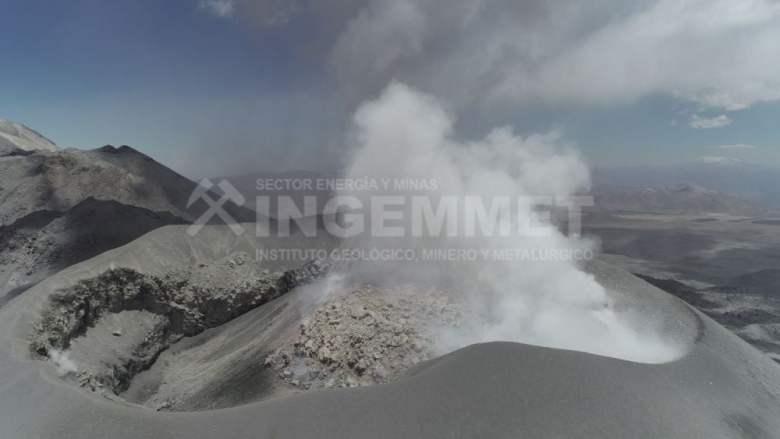 Desplazamiento de lava en volcán Sabancaya