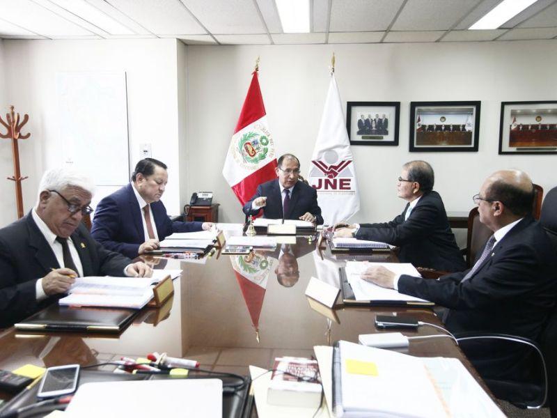 JNE: miembros del Congreso disuelto pueden postular en elecciones 2020