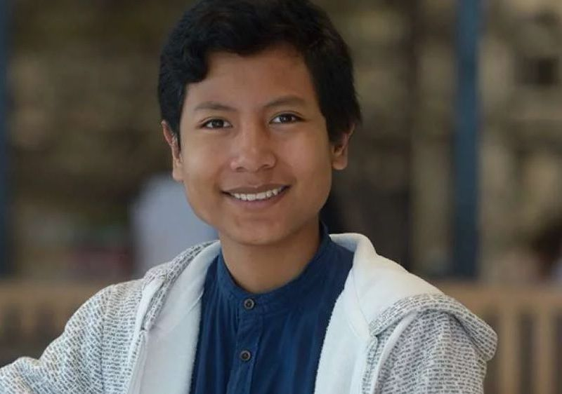 Ecuador apoyará a niño banquero peruano en diseño app móvil