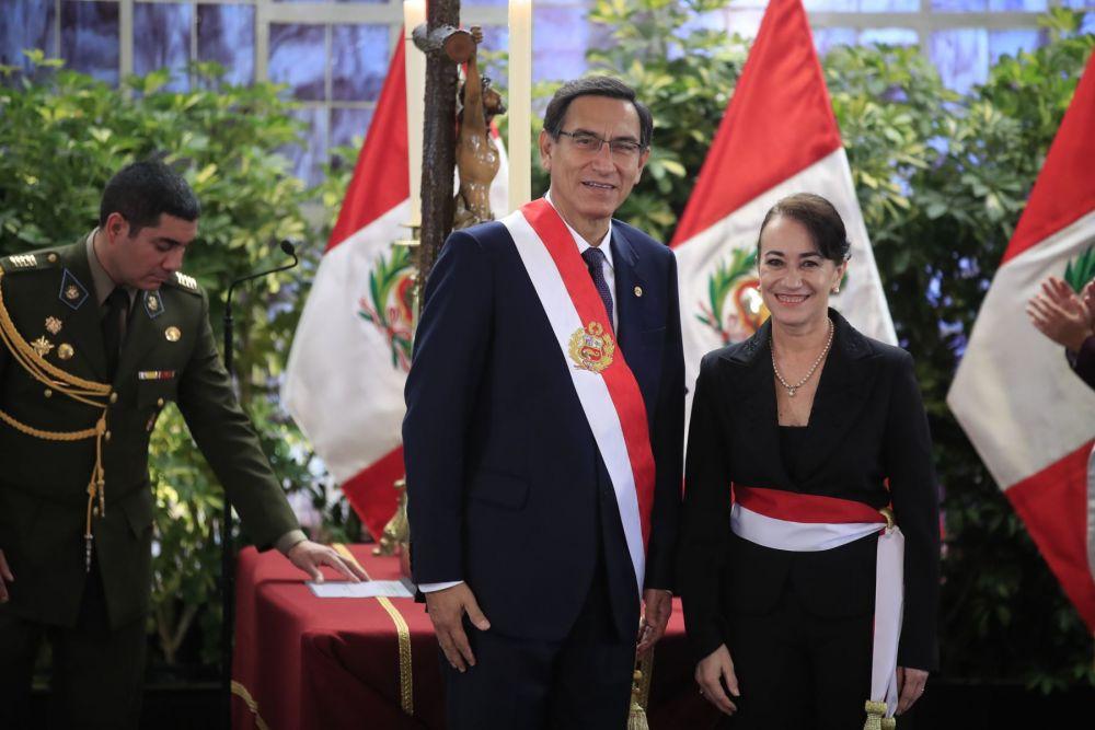 Martín Vizcarra y ministra Ana Revilla