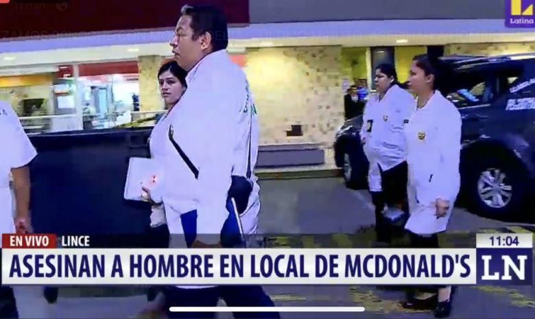 Sicarios matan a hombre en McDonalds