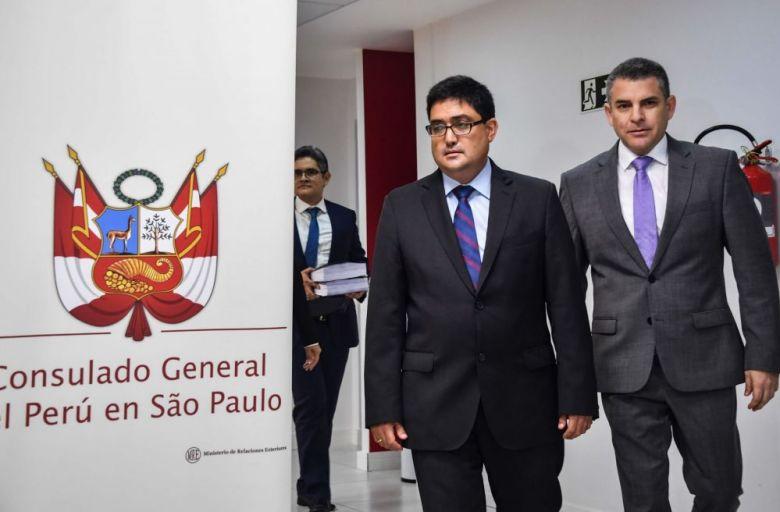 Jorge Ramírez con fiscal Rafael Vela