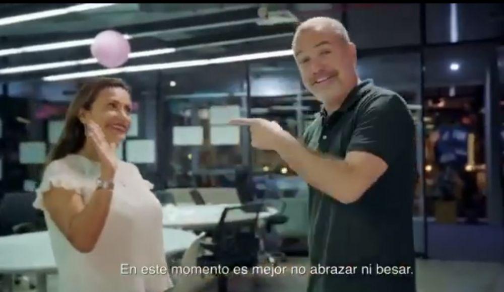 Salvador del Solar sorprende con didactico video para prevenir el coronavirus