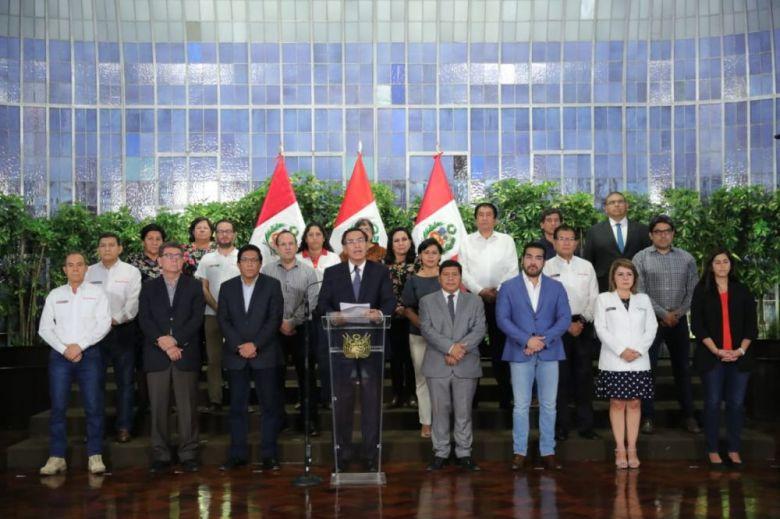 Martín Vizcarra y ministros de Estado