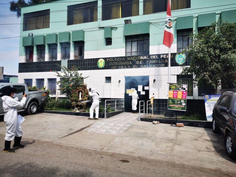 Villa El Salvador: Policía instala cámara de desinfección contra el Covid 19 en comisaría
