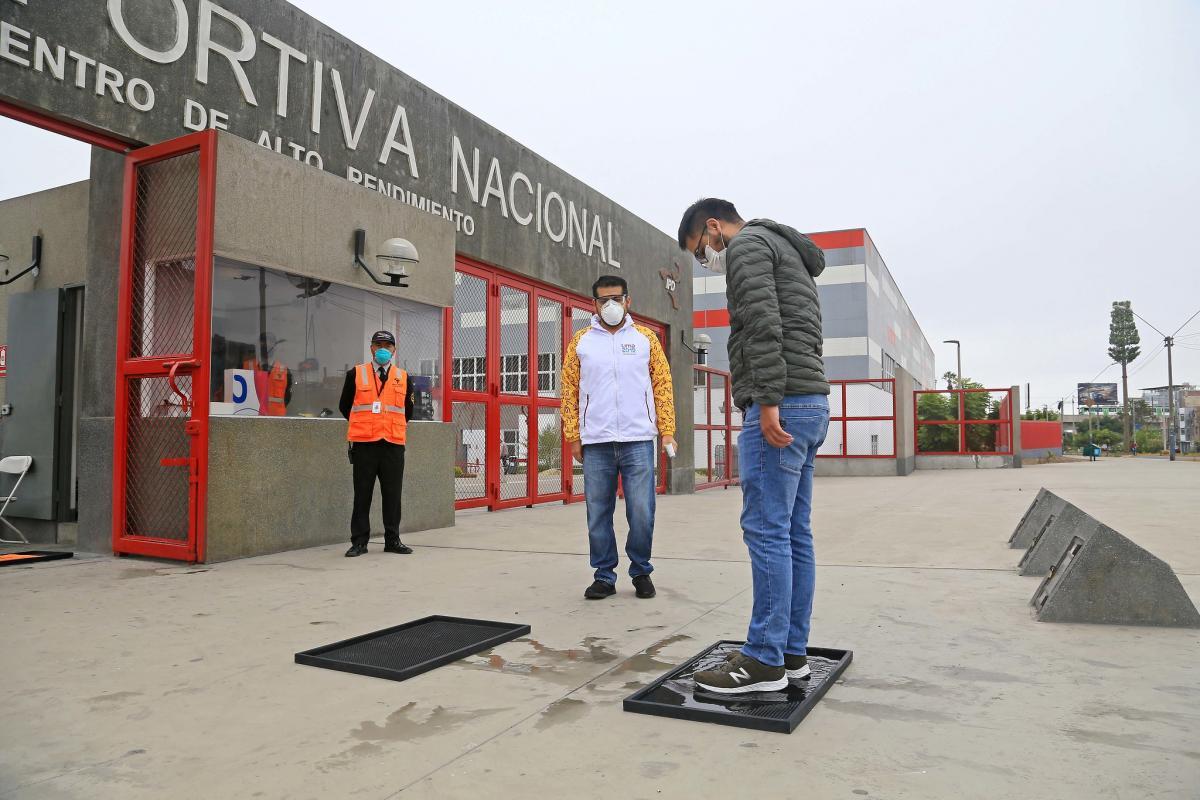 Retornan los deportistas de alta competencia a La Videna