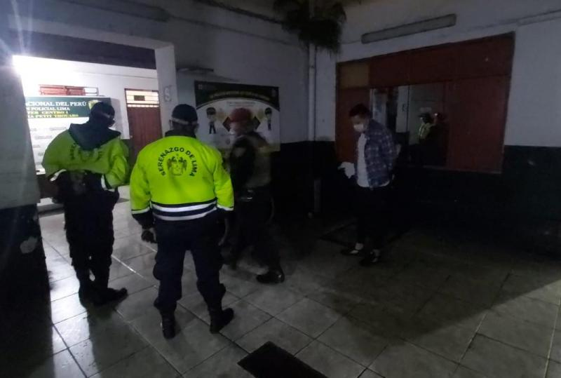 Serenos de Lima capturan a ladrón que se lanzó de cuarto piso al intentar huir
