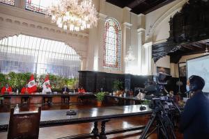 """Presidente Vizcarra sobre conferencias sin periodistas: """"Mal haríamos en llamar solo a 10 o 12 medios"""""""