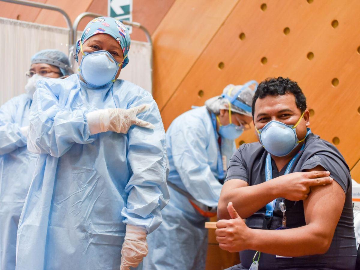 Vacunación contra el COVID-19