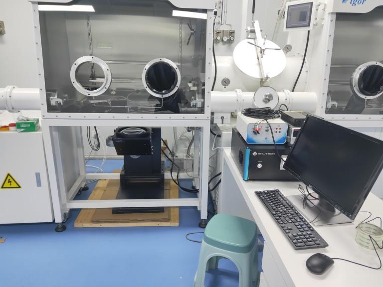 ss-x100r solar simulator installed with glovebox.