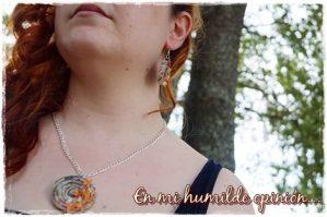 Collar y pendientes hechos a mano con papel de periodico, artesanía, materiales reciclados
