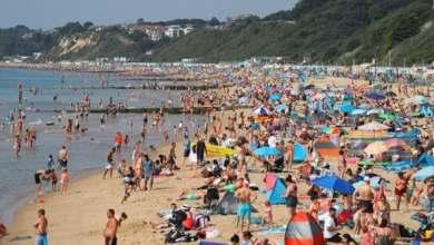 Photo of آلاف البريطانيين ناموا في السيارات والشواطئ.. لهذا السبب