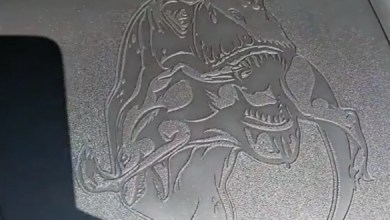 Photo of رام 1500 TRX تحمل رسم زخرفي لديناصور تيركس يلتهم رابتور