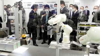 صورة روبوت ياباني يجري مسحة كورونا ويعطي النتيجة في 80 دقيقة