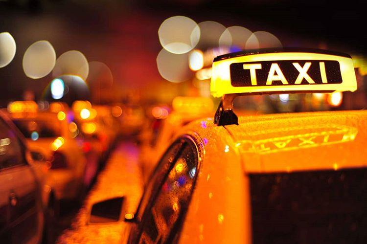 Taxi, sumber ig taxi_spb_