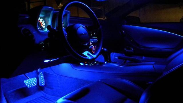 Lantai LED pada mobil, sumber ig Sarung Jok Pada Mobil, sumber ig hardy__classic