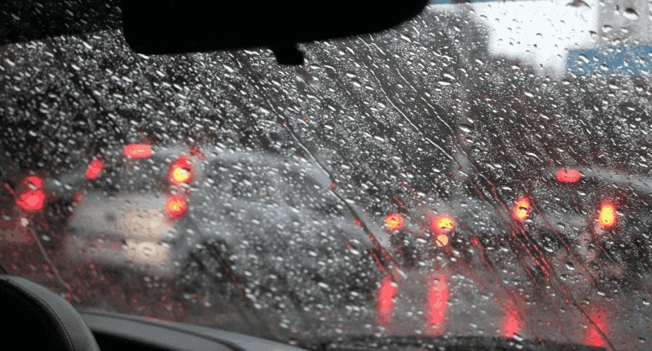 Ilustrasi Merawat Mobil Saat Musim Hujan